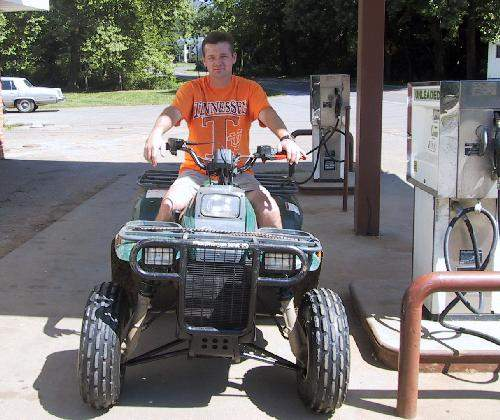 Jeff on 4wheeler.jpg (46053 bytes)